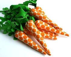 Pattern for fabric carrots. #Easter
