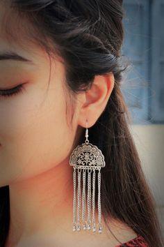 Silver Earrings With Pearls Code: 5891471610 Fancy Jewellery, Silver Jewellery Indian, Indian Earrings, Stylish Jewelry, Silver Jewelry, Fashion Jewelry, Silver Ring, 925 Silver, Diamond Jewelry