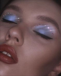 Are you looking for unique and beautiful eye makeup ideas? Then you are in the right place. We have prepared best unique eye makeup pictures for you. Makeup Goals, Makeup Inspo, Makeup Inspiration, Makeup Tips, Beauty Makeup, Makeup Ideas, Makeup Products, Colorful Eye Makeup, Blue Makeup