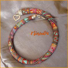 Spirale crochet mailles serrées en perles verre : Collier par mes-perlouzes