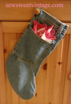 DIY Stocking from old jeans!  Love this upcycle!