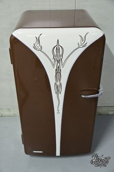Vintage Fridge - Pinstriping by Mr.Bram