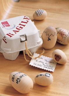 """Love the egg with """"instructional cut-line"""" Love Craft, Biodegradable Products, Recycling, Easter, Place Card Holders, Packaging, Homemade, Avril, Crafts"""