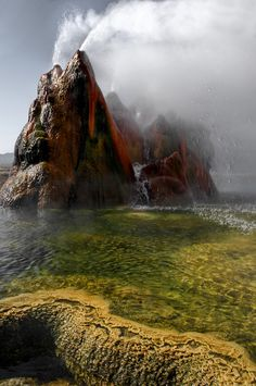 Fly Geyser – Not Quite of this World ~ Kuriositas
