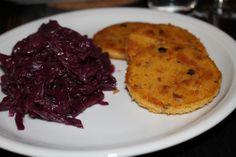 Aber bitte mit ohne...: Rotkohl an Polenta-Nuss-Schnitten