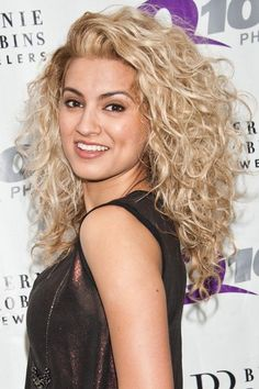 Obsessed with Tori Kelly's hair! Hair goal, lol, curly hair // perm // blonde