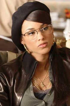 Alicia Keys in Smokin' Aces. Alicia in a movie, Yay! She was good too, a natural.