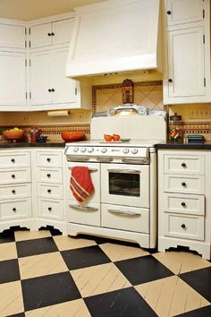 Enchanting Wooden Kitchen Flooring Wooden Kitchen Flooring The Best Flooring Choices For Old House Kitchens Old House Journal 1930s Kitchen, Tudor Kitchen, Kitchen And Bath, New Kitchen, Kitchen Decor, Kitchen Ideas, Wooden Kitchen, Funky Kitchen, Vintage Kitchen Cabinets