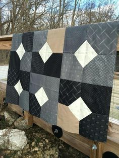 Easy Big Block Quilts Easy Big Block Quilt Patterns Free Layers Of Charm Quilt Pattern Or Mogo Planted Seed Designs