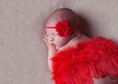 Love <3 ****************** Sesje noworodkowe wykonywane są między 5 a 14 dniem życia dziecka.Wówczas nasza pociecha śpi głębokim snem i możemy ją ułożyć w przeróżnych ciekawych i jakże słodkich pozach 🌸💕👄 Sesję taką wykonuję u siebie w domowym studio bądź u Was w domu. Zapraszam do kontaktu na priv 🤗 http://fotograficznemarzenia.pl #fotograficznemarzenia #sesjanoworodkowałódź #fotografianoworodkowałódź #fotografnoworodkowyłódź #fotografchrzestłódź #fotografiachrztułódź…