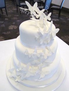 Perhos hääkakku - Butterfly weddingcake