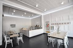 color... but with texture    04721  modern simplicity cafe interior design idea1 500x332 Modern Cafe Bakery Patisserie Store Interior Design by Sasufi