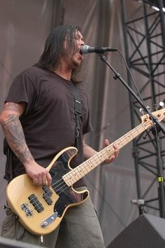 Chi Cheng of Deftones during K-Rock at Giants Stadium in E. Rutherford, New Jersey, United States. Frank Delgado, Chi Cheng, Giants Stadium, Nu Metal, Famous Musicians, Santa Clara, Hollywood Life, Cool Bands, Good Music