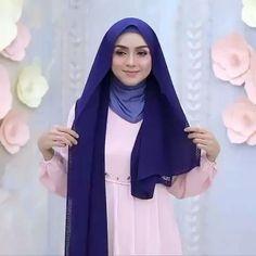 Stylish Hijab, Modest Fashion Hijab, Modern Hijab Fashion, Casual Hijab Outfit, Hijab Fashion Inspiration, Hijab Turban Style, Mode Turban, Simple Hijab Tutorial, Hijab Style Tutorial