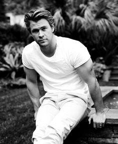 Chris Hemsworth | Another fine specimen of #man. :-)