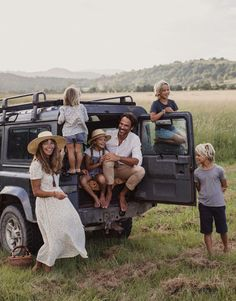 waterwithlemon-please: Just about fainted. My favorite traveling family