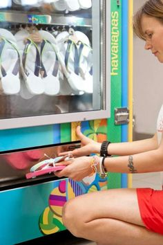 The Havaianas Flip Flop Machine is Ideal for Aquatic Settings #hotshoetrends