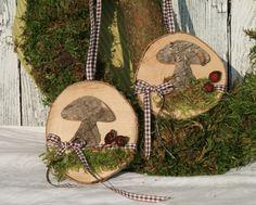 Fensterdeko, Herbstdeko Birkenpilz auf Holzscheibe von Deko-TU-Shop auf DaWanda.com