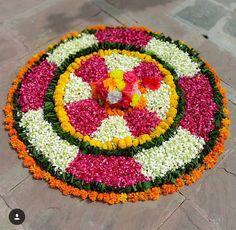 Flower Rangoli, Flower Mandala, Flower Art, Beautiful Rangoli Designs, Kolam Designs, Diwali Decorations, Wedding Decorations, Onam Celebration, Floating Flowers
