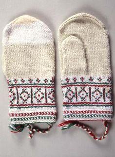 "beautiful knitting - it´s in a museum ""Suomen kanallismuseo"" ---- vanttuut… Fingerless Mittens, Knit Mittens, Knitted Gloves, Knitting Socks, Wrist Warmers, Hand Warmers, Scandinavian Pattern, Yarn Inspiration, Mittens Pattern"