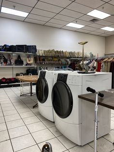 Washer and Dryer set spotted at Goodwill San Antonio Blano & 410 store. You never know what you'll find! #GoodFinds Goodwill Finds, Washer And Dryer, San Antonio, Thrifting, Home Appliances, Store, House Appliances, Washing And Drying Machine, Larger
