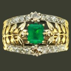 Antique emerald diamond ring. Sooooo pretty!