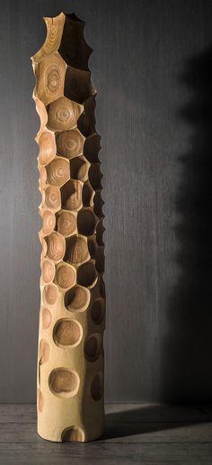 sculpture française : Stéphane DEROZIER, bois, totem, alvéoles