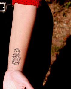 Matrjoschka temporäre Tattoo  SomaArtTattoo-Tätowierung