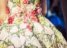 En backstage du défilé Giambattista Valli haute couture automne-hiver 2014-2015 http://www.vogue.fr/mode/inspirations/diaporama/fwc2014-backstage-du-defile-giambattista-valli-haute-couture-automne-hiver-2014-2015-paris/19491/image/1030970#!8