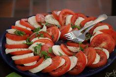 tre-colori Caprese Salad, Mozzarella, Food, Essen, Meals, Yemek, Insalata Caprese, Eten