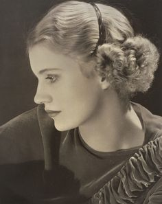 """Elizabeth """"Lee"""" Miller, Lady Penrose was an American photographer. Born in Poughkeepsie, New York in 1907, she was a successful fashion model in New York City in the 1920s (ca 1932)."""
