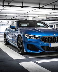Amazing Cars Photo Around the World Most Expensive Luxury Cars, Used Luxury Cars, Rolls Royce Motor Cars, Ice Car, Lux Cars, Mustang Fastback, New Bmw, Performance Cars, Limousine