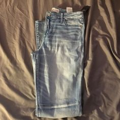 Abercrombie jeans! Never worn! New with tags Light wash Abercrombie jeans, has the block around the knees! Never worn, still has tags! They are jeggings! Open to any offer! American Eagle Outfitters Jeans