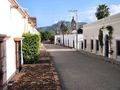 Calles adoquinadas de Álamos.