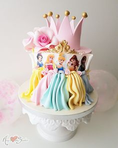 Prinzessin Kuchen – Princess cake – Related posts: Disney Themed Cakes – Disney Princess cake and cupcakes Disney Princess Birthday Cakes, Birthday Cake Girls, Disney Princess Cakes, Princess Party, Disneyland Princess, Princess Belle Cake, Princess Theme Cake, 5th Birthday, Birthday Ideas