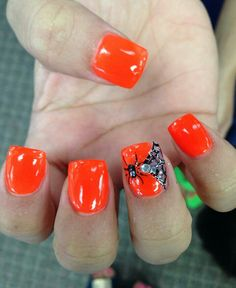 Halloween Nail Art  Please Like us on Facebook! https://www.facebook.com/thebeautyaisles