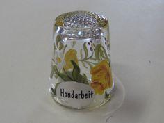 HAND-PAINTED FLORAL DESIGN GERMAN GLASS THIMBLE - MINT