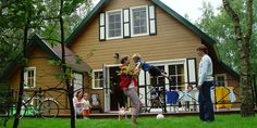 In de Belgische Ardennen ligt Park Molenheide waar diverse accommodaties voor grote gezinnen zijn. Zo is vakantiebungalow Patio geschikt voor 8 personen.