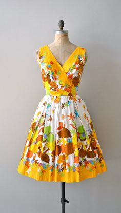 the perfect dress to welcome autumn… vintage 1950s dress @deargolden @etsy