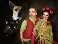 Portrait with Dog Cat Bad Family Photos Funny Family Pics Awkward Family Photos crazy weird bad tattoos worst tattoos stupid people Family portraits strange Funny Christmas Photos, Xmas Photos, Funny Christmas Cards, Christmas Humor, Family Christmas, Holiday Cards, Christmas Images, Christmas Portraits, Christmas 2015
