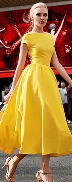 Simple elegance with a pop of color. I love the neckline. Too bad I · Abiti  Estivi GialliAbito Da Sposa ... 2149ac06082