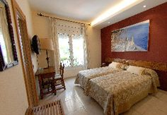 HOTEL GALEON +34 938 948 835  Hotel Galeón Pavillon Superior *** +34 938 945 054 www.hotelsitges.com