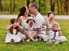 Family photography adorable kids kiss family of six by Sugar Snap Studio