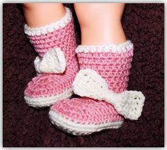 Big Bow Baby Booties (Crochet) http://www.crochetguru.com/crochet-baby-booties.html