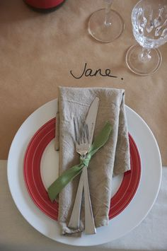 simple christmas table with kraft paper
