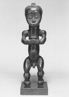 Brooklyn Museum 1989.51.46 Reliquary Guardian Figure Eyema Bieri.jpg