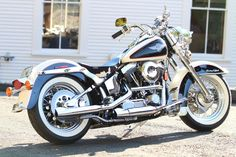 2008 Harley-Davidson Softail Custom 2008 Harley-Davidson Softail Custom W/ LOW MILES! (looks runs sounds awesome! Brown Motorcycle Boots, Pink Motorcycle, Bobber Motorcycle, Motorcycle Camping, American Motorcycles, Vintage Motorcycles, Harley Davidson Motorcycles, Motorcycles For Sale, Harley Bobber
