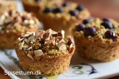 Oat muffins for breakfast (danish recipe) Healthy Cake, Healthy Desserts, Denmark Food, Danish Food, Lunch Snacks, No Bake Cake, Cake Recipes, Low Carb Recipes, Lchf