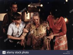 Download this stock image: JOHNNY DEPP, AURELIEN PARENT KOENIG, JUDI DENCH, JULIETTE BINOCHE, CHOCOLAT, 2000 - T03K7J from Alamy's library of millions of high resolution stock photos, illustrations and vectors. Juliette Binoche, Judi Dench, Judo, Johnny Depp, Vectors, Parenting, Illustrations, Stock Photos, Image