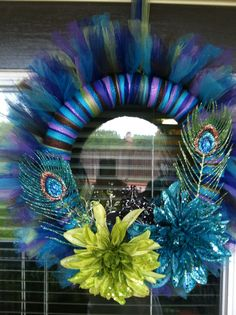 My version of the peacock wreath, tulle wreath I've made & it surprisingly wasn't difficult at all, thanks to so many informative boards! Wreath Crafts, Wreath Ideas, Diy Wreath, Diy Crafts, Peacock Wreath, Tulle Wreath, Deco Mesh Wreaths, Door Wreaths, Tulle Decorations